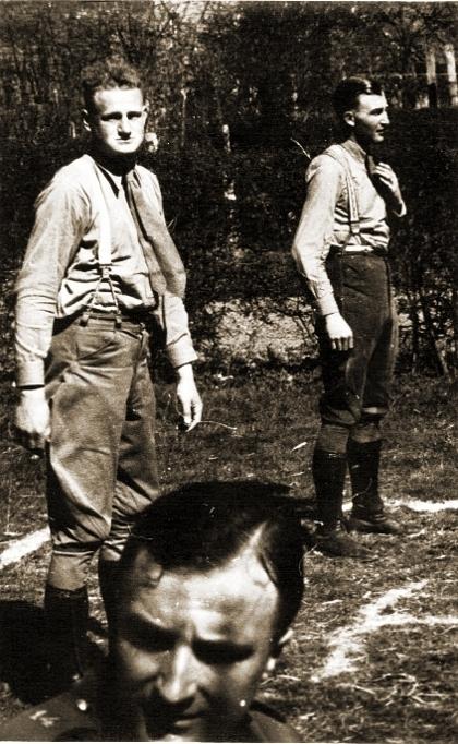 OLt Cornille (links) van het 14A tijdens de mobilisatie (foto Marc Cornille).
