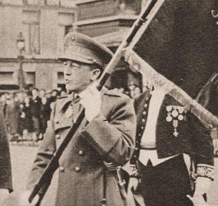 Auguste De Droog als kolonel, tijdens een plechtigheid te Brugge in 1938.