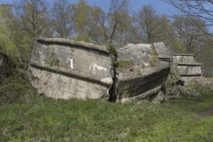In de ruïne van de Schans van Smoutakker werden in 1917 door de Duitse bezetter bunkers gebouwd die tijdens het interbellum werd aangepast voor de mitrailleurs van de 3Cie