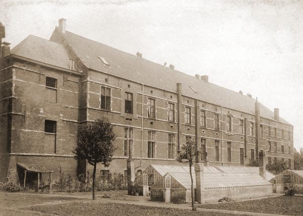 Het MH Gent aan de Ekkergemstraat te Gent.