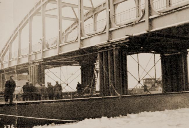 De brug van de Aarschotseweg nabij Herentals in het voorjaar van 1940, na de herstelling van de winterschade.
