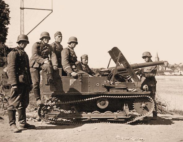 C47 kanon op Vickers MkVI onderstel