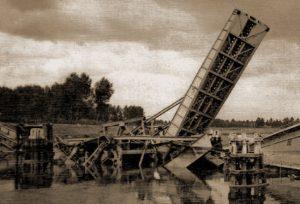 Door de Belgische genie op 18 mei vernielde Veerbrug over de Schelde in de ondersector van 1JP ter hoogte van Dendermonde