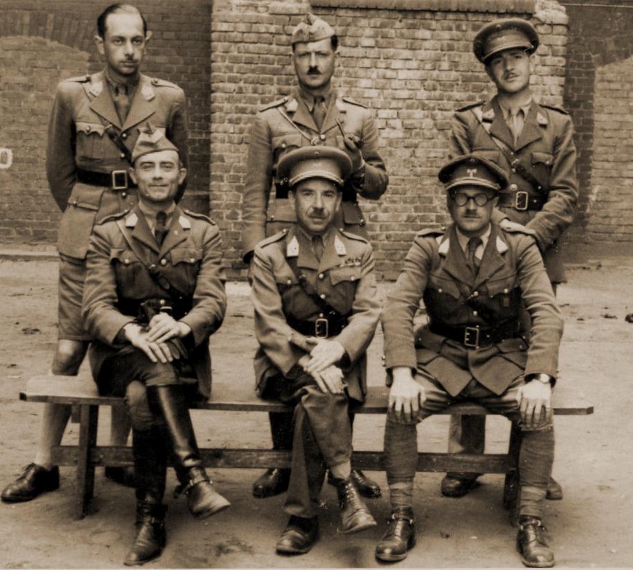 Tenminste een deel van de officieren van 2L zou tegen 1942 overgeplaatst zijn naar Oflag XD te Fishbeck. Tussen deze officieren staat ook Luitenant Hussin, pelotonscommandant bij het 2de Eskadron.