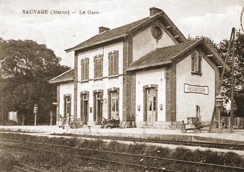 Station Saint-Just-Sauvage waar 32A toekwam