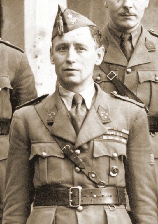 Een Kapitein-commandant van het 38Li.