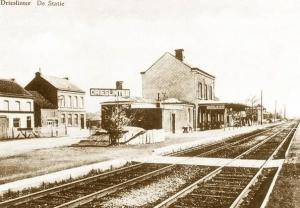 Station van Drieslinter waar twee spoorwegkanonnen kwamen vast te zitten.