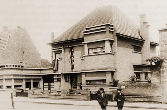 De staf van de IIIde Groep was ondergebracht in Villa Cooreman aan de Stationsstraat 160 te Aalter.