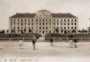 """De Franse kazerne """"Quartier Pajol"""" waar een deel van het 4C de nacht van 10 op 11 juni doorbracht."""