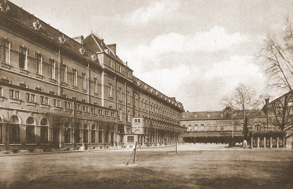 De Kazerne Majoor Deltenre aan de Luxemburglaan te Namen was de thuisbasis van het 4de Regiment Genie. Hier werd het 6Gn gemobiliseerd.