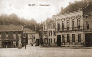 Uiterst rechts het gebouw van de Crédit Anversois waar de staf van het 4Gn zijn intrek had genomen.