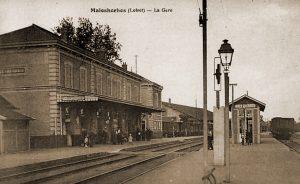 Station van Malesherbes van waaruit I/59Li per trein naar Orléans kon vertrekken.