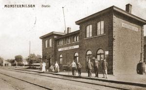 Station van Munsterbilzen waar zich een liaisondetachement van 4/II/5LA bevond. Het station werd in de voormiddag van de 10de mei gebombardeerd.