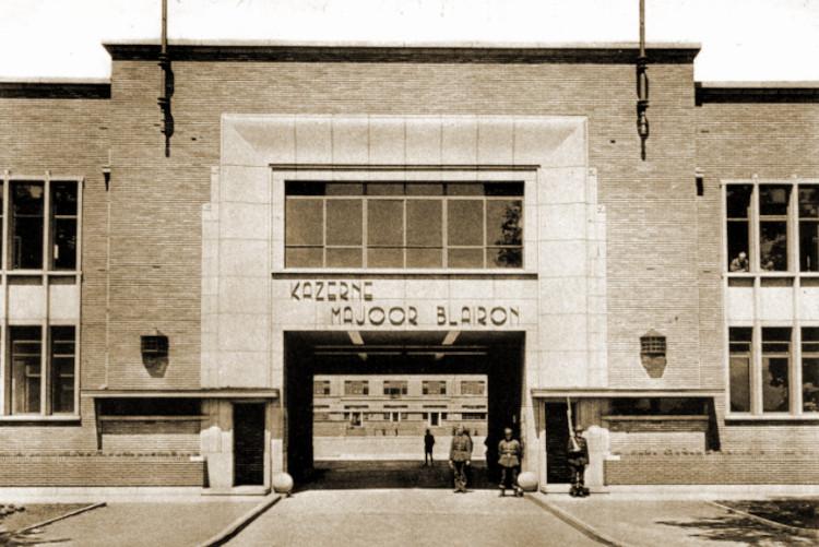 Het 8Li was in vredestijd ingekwartierd in de gloednieuwe Kazerne Majoor Blairon te Turnhout.