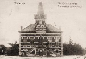 Gemeentehuis van Tielen waar de bataljonsstaf van het 9TTr zich installeerde tijdens de winter van 1939.