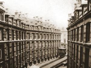 Het Hotel de l'Administration des chemins de fer de l'Etat aan de Leuvenseweg 21 te Brussel waar het MDS zijn intrek had genomen van 10 tot 13 mei 1940