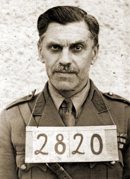 Cdt Langie van II/52Li als krijgsgevangene in Prenzlau.