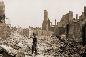 Calais na het bombardement van 26 mei (foto Bundesarchiv)
