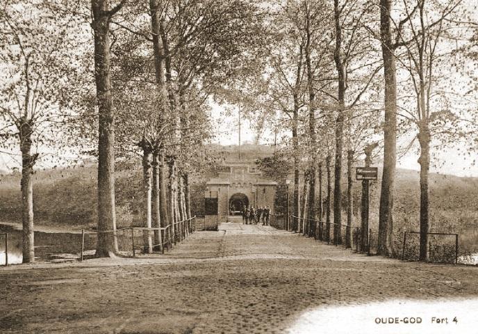 Fort 4 te Mortsel - Oude God bood vanaf 13 mei onderdak aan de staf van het VIde Legerkorps.