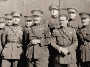 GenMaj Emile Badoux, tweede van links, hoofd van de Generale Staf der Legergenie (vooroorlogse foto)