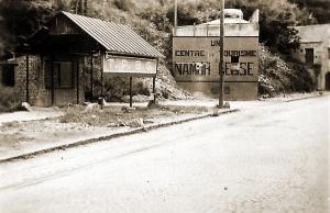 Als reclamepaneel gecamoufleerde intervalbunker gebouwd tussen de Naamse forten.
