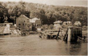 Brug van Yvoir op 12 mei 1940 vernield door Lt De Wispelaere